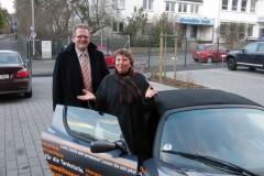 Probefahrt im Solarauto, U3 Holding AG Vorstand Herr Rhiel, Anni Röhrkohl